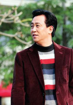 中国地产大亨 许家印 XU JIAYIN 努力的追求成长