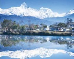 博卡拉(Pokhara) 自然与人为矛盾相映成趣