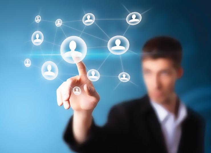 通过价值主张(Value Propositions) 迎合特定客户细分群体需求