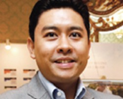 泰国实业王国Italthai掌门人 Yuthachai Charanachitta 充满传奇色彩的富三代