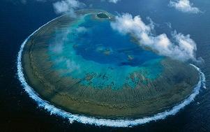 世界上最大的热带珊瑚礁系统 澳洲大堡礁(Great Barrier Reef,Australia) 让潜水者沉浸在世界美景之中