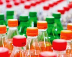 对含糖饮料征税 饮料公司获两年调整含糖量