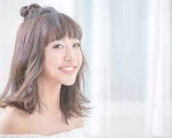 台湾(Taiwan)网路创作歌手 蔡佩轩(Ariel Tsai) 以甜美外型及歌声征服广大网民