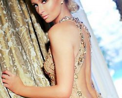 富家孙女得天独厚 派瑞丝·希尔顿(Paris Hilton) 明眸皓齿飘逸长发引注目