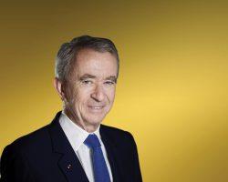 法国(France)奢侈品巨头 路威酩轩集团(LVMH)总裁 伯纳德·阿诺特(Bernard Arnault)荣登首富宝座